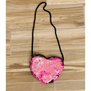 Other - 🌈Girls zippered sequined heart purse